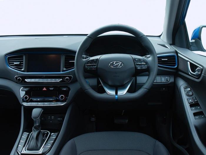 Hyundai Ioniq Hatchback 1 6 Gdi Plug In Hybrid Premium 5dr